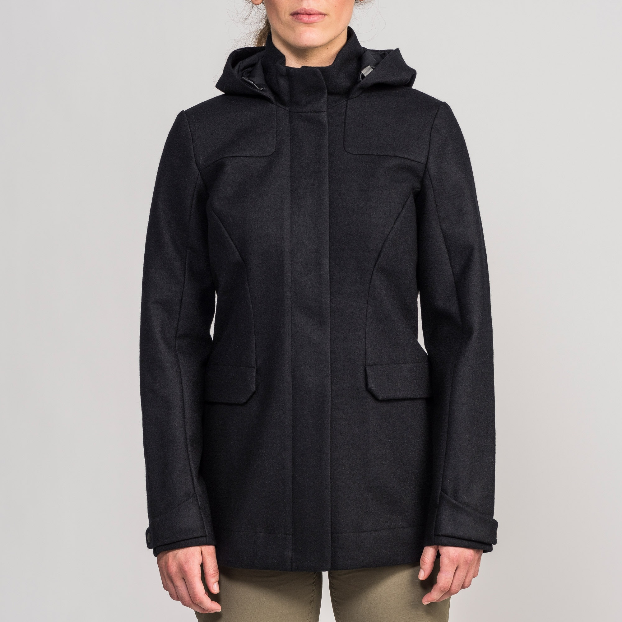 Relatively Plateau Women's Merino Coat v2 - Black QN09